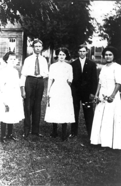 Youth group, left to right Myrtle Dampier, Mr. Inman, Edna Timmerman, Walter Timmerman, and Mertie Timmerman. Photo courtesy of Julia Bennett