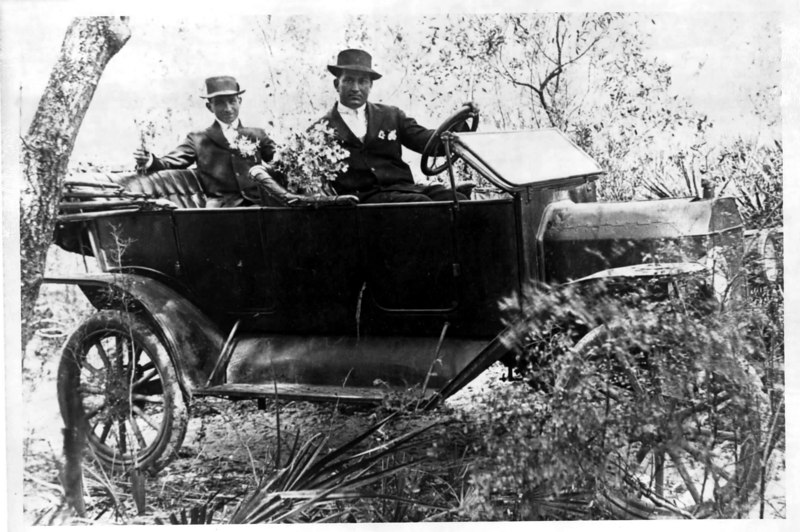 Wallace Thigpen and W. M. Yeoman<br /> Photo courtesy of Brunell Yeoman