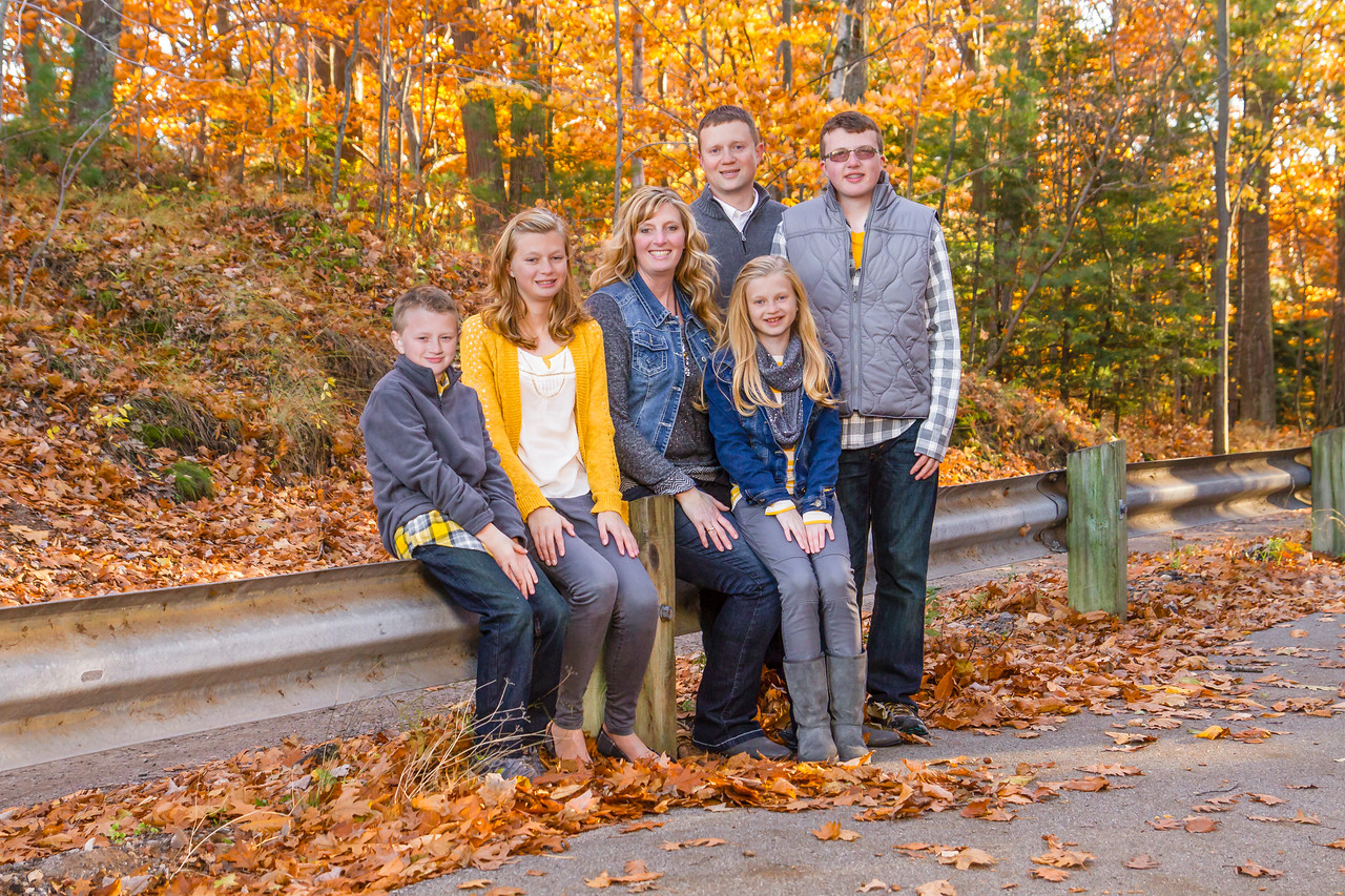 We had a great session with the Olmstead family over the weekend enjoying the beautiful fall colors.
