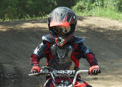 Edouard sur piste motocross 25 août 2013