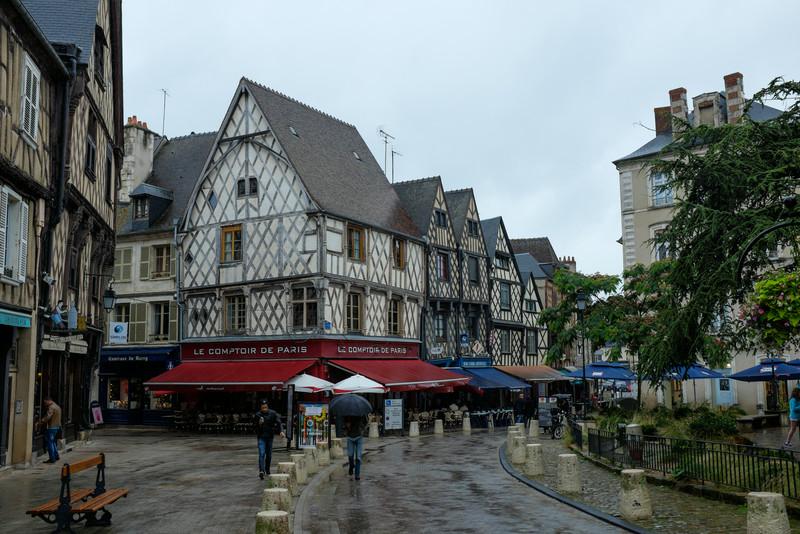 Au coeur de Bourges - tiens, j'ai déjà vu ça quelque part...