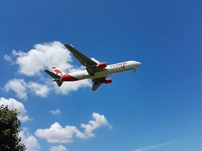 Arrivee d'avions a Dorval avec Sabrina