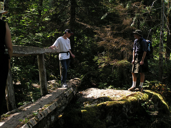 Hike to Trout Lake, Aug 16, 2004