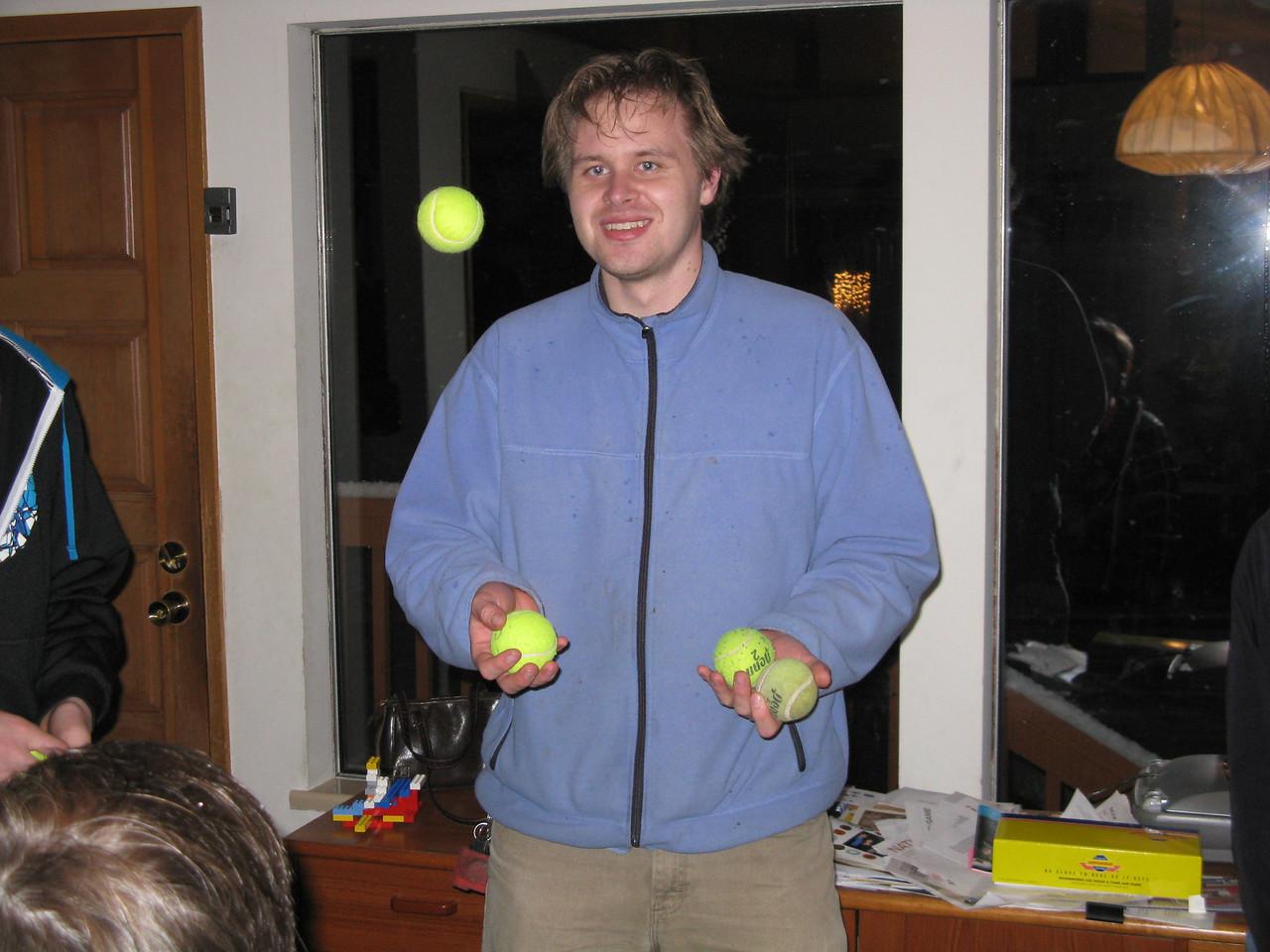 Nathan juggling.