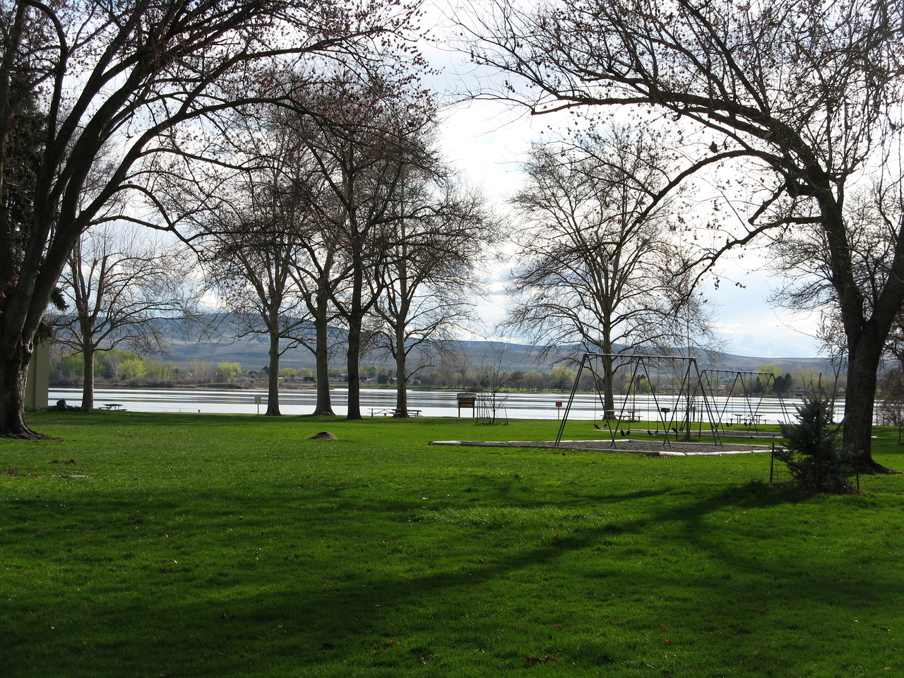 This photo shows the park with the Columbia RIver in distance and Kennewick on the other side of the river.