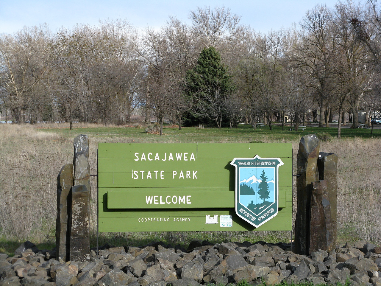 We drove to Sacajawea State Park after our volkswalk.