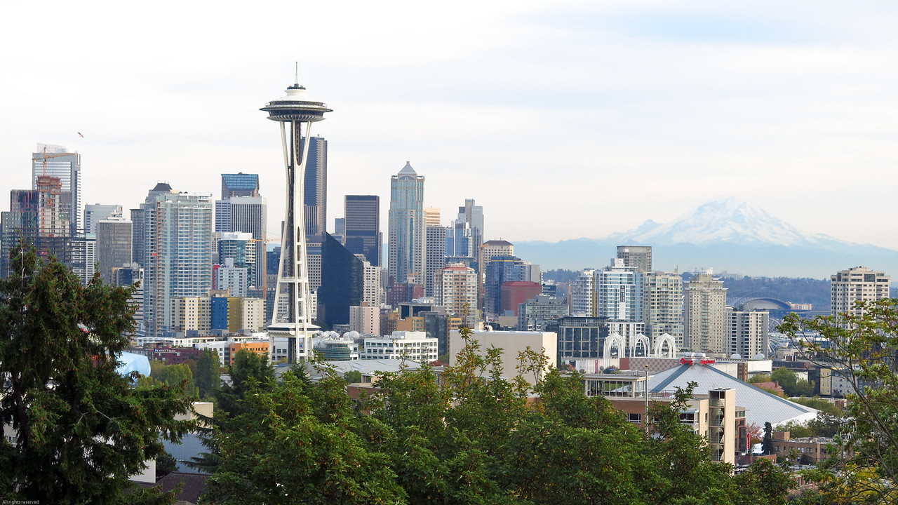 Iconic view of Seattle:  Space Needle, skyline and Mount Rainier