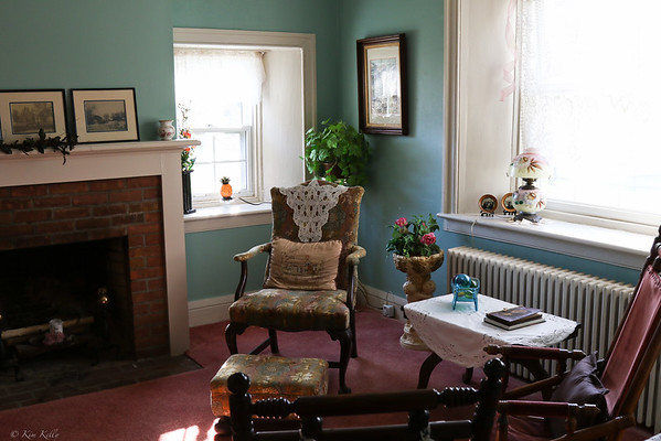 Sitting Room - Maxwell Creek Inn Bed and Breakfast, Sodus, New York