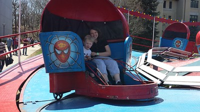Milo & Mommy Take on the Spiderman Ride