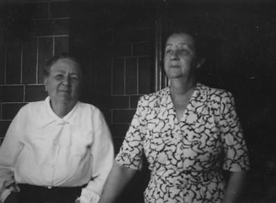 Aunty Lynda and Mary