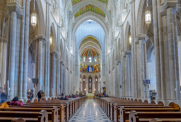 Main nave of the Almudena cathedral.