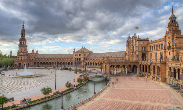 Plaza Espana in Seville featured in Star Wars as the city of Theed on planet Naboo.