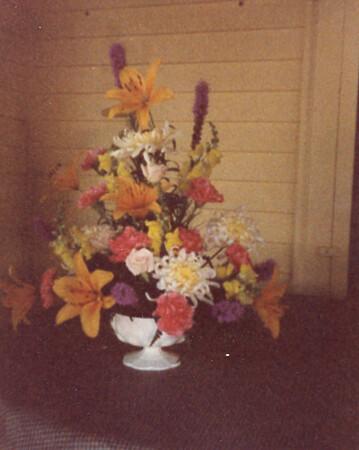 Flowers at 5 Mechanic Street 36