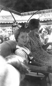 Shirley Temple & her mother-Hamilton Bermuda-1938