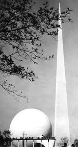 Worlds Fair-Trylon-Perisphere- NYC-Oct 1939
