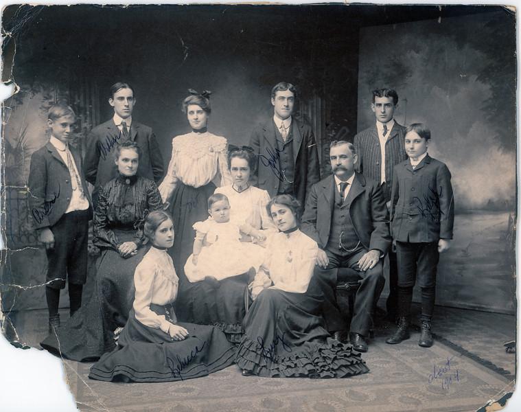 1904 Provencal Family