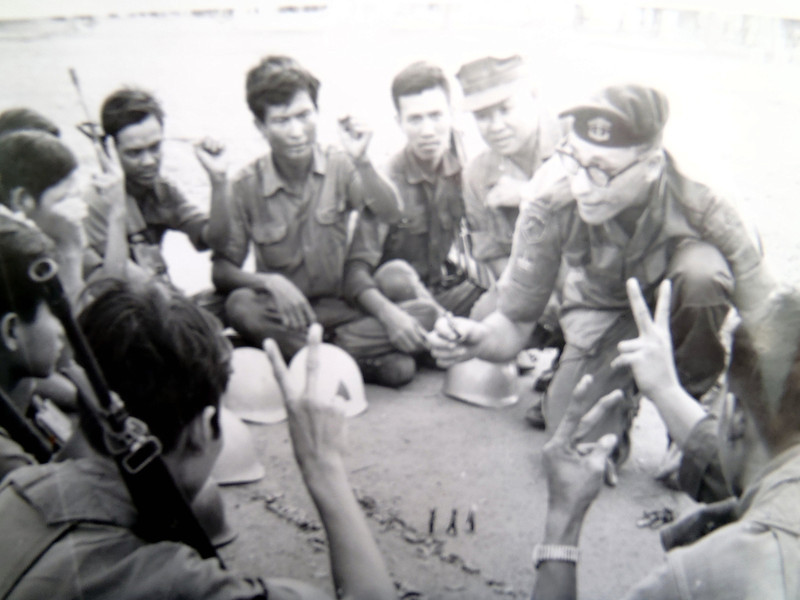 Infantry minor tactics ( jungle track crossing ) - Australian Army Training Team (AATTV) - Van Kiep, South Vietnam, 1972 (second tour). The soldier with the hat is the interpreter.