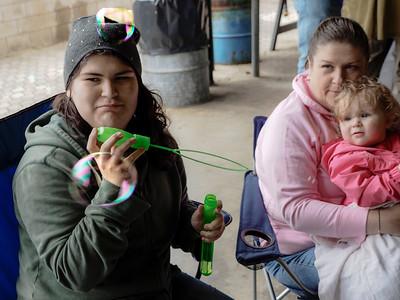 Janet Blake's family: Amanda, Michelle & Nikki making soap bubbles...
