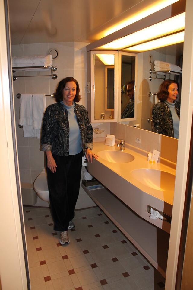 Dual sinks, nice!