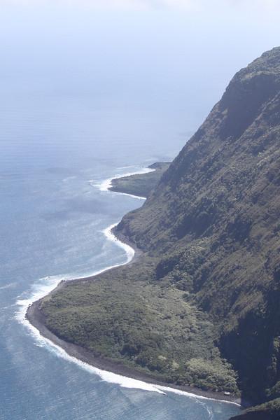 3,000 ft. cliffs om Molokai.