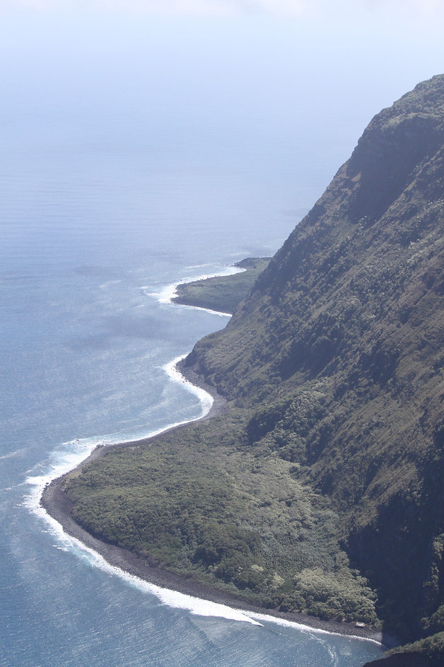 3,000 ft. cliffs om Molokai.