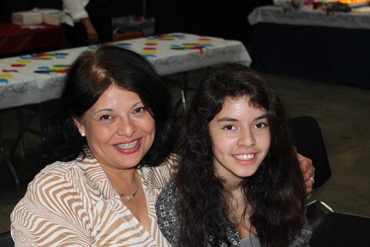 Mom Sylvia and daughter Demi.
