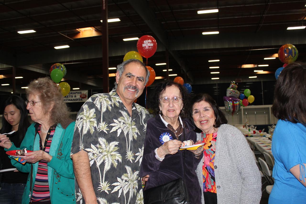 Dave, Aunt Gert and Aunt Dehlia.