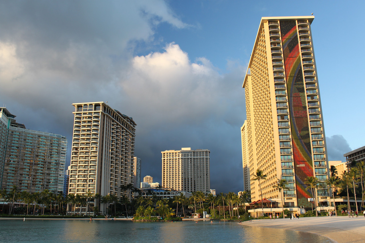 Hawaiian Hilton Waikiki complex. Rainbow tower on the right, Lagoon Tower on the left an just behind it is the new Grand Waikikian.