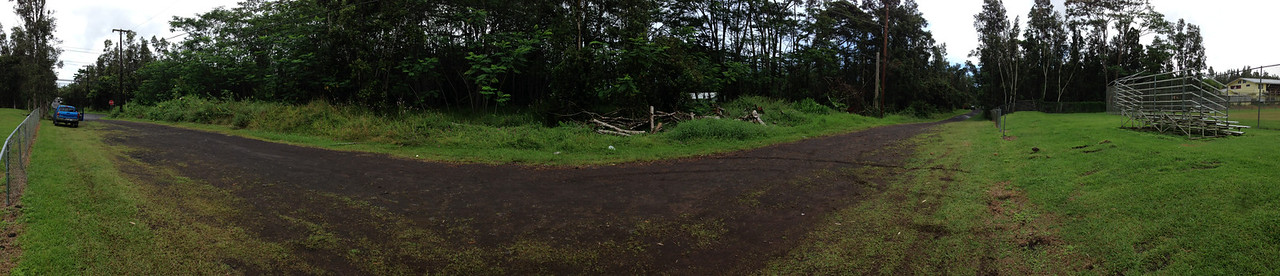 Panorama #2, same views as #1 but further south on Maui Rd.