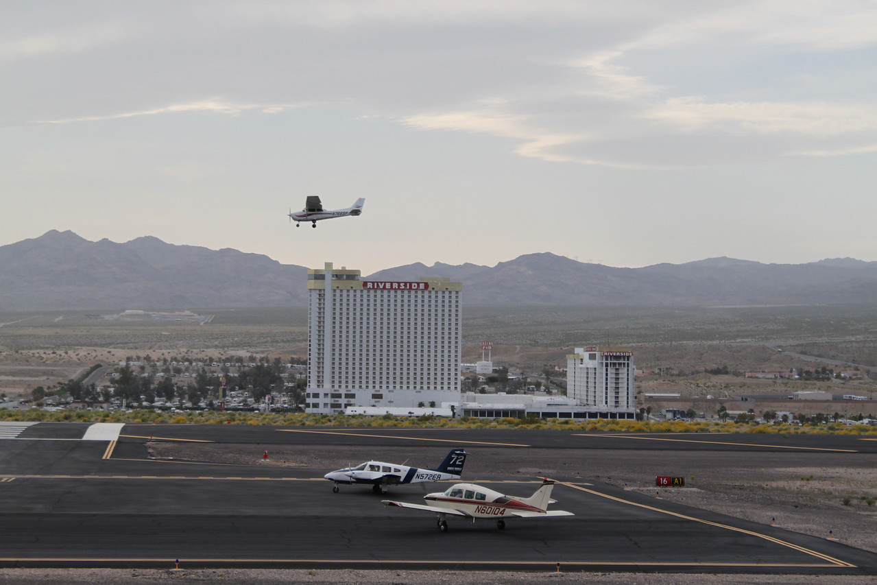 Doug on final - runway 16, Bullhead.