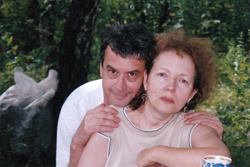 With sister, Galina Kuznetsova. (2005)