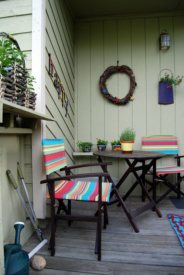 Deirdre's Mini Garden & Deck 6/09