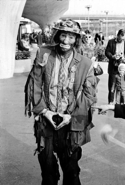 Emmett Kelly, Jr., as Weary Willie, at the World's Fair.