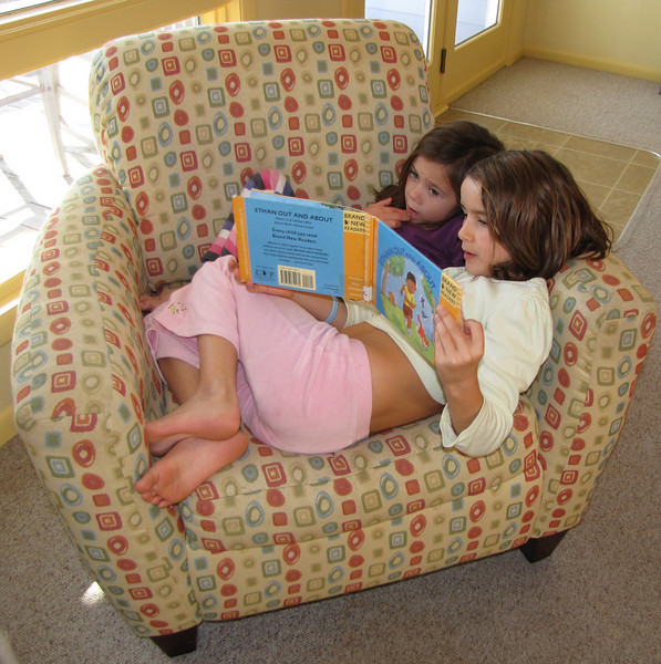 Ella's teaching little sis Anna to read this book.<br /> Emerald Isle<br /> December 28, 2009