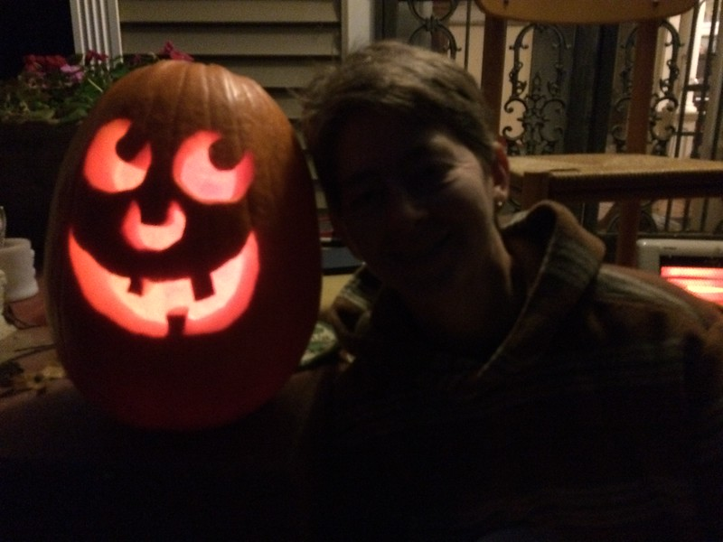 It was a quick-and-easy carving this year.  Halloween 2015