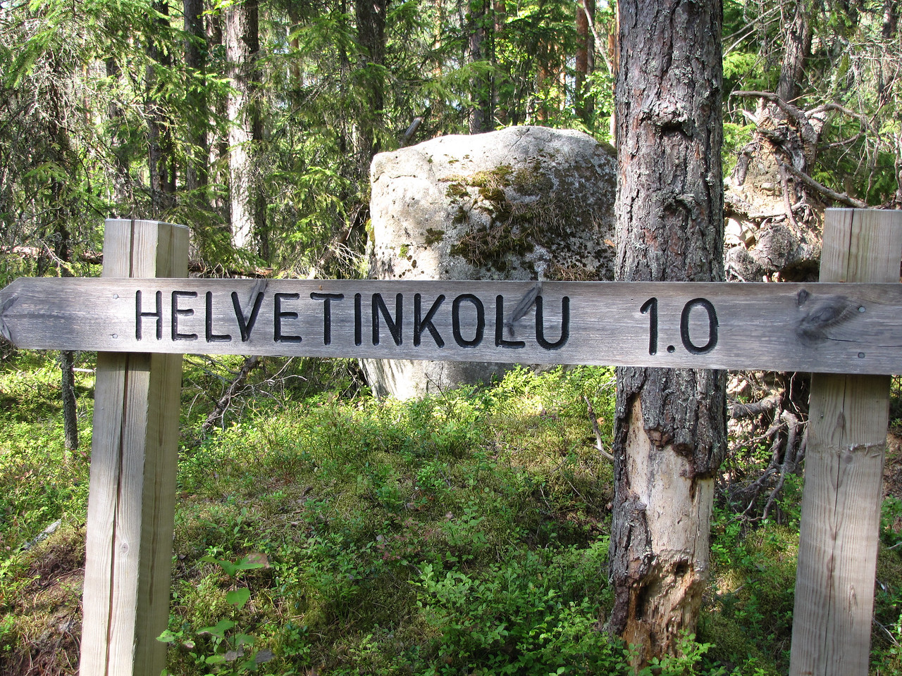 The cleft Helvetinkolu at the south-eastern end of Lake Helvetinjärvi where we swam and picnicked