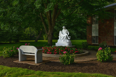 2014-08-11 Pieta - Betty Gray HDR3 2