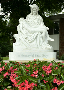 Pieta - Betty Gray 103