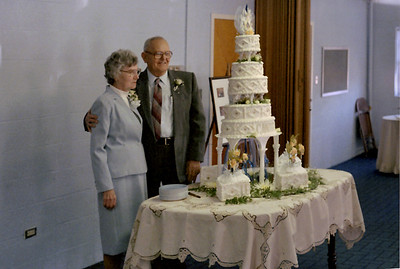Noval and Veda's with their 60th Anneversary cake, Mountain View, Missouri, 1986.