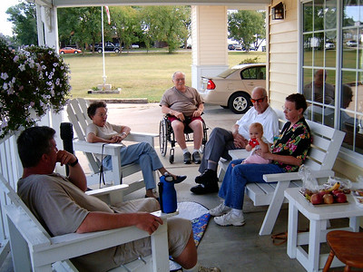 Patrick, Lela, Richard, Floyd and Rita, holding Patrick's baby. Mountain View, MO. September 2006