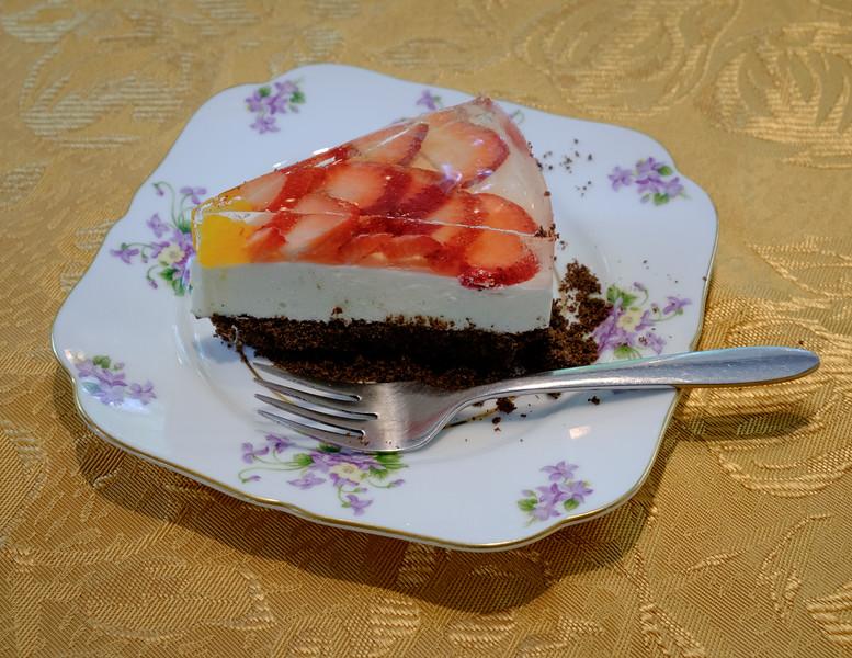 strawberry_cake-t3103