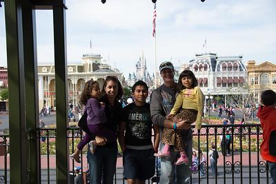 Disney with Harrells 2 - 2014-03-26 at 15-12-01