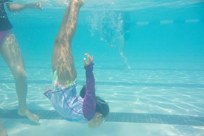 Pool fun-575