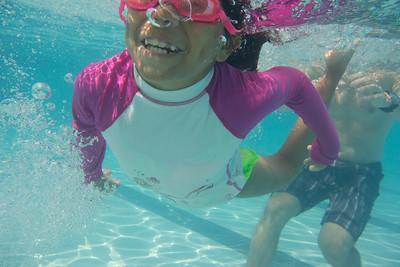 Pool fun-676
