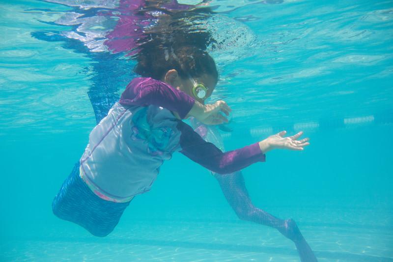 Pool fun-393.jpg