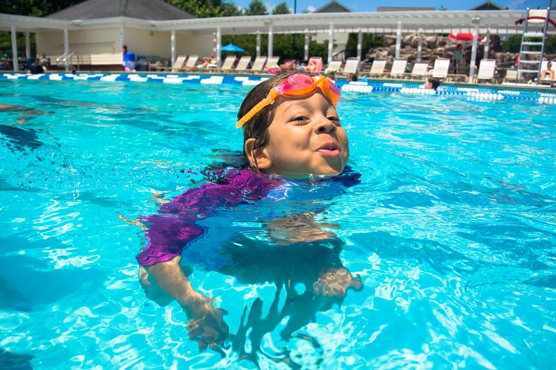 Pool fun-564.jpg