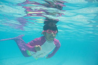 Pool fun-563