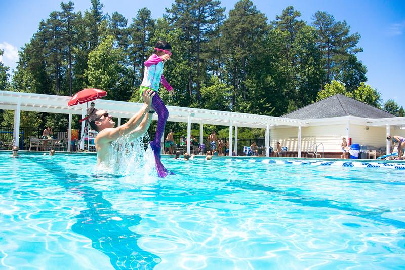 Pool fun-551.jpg