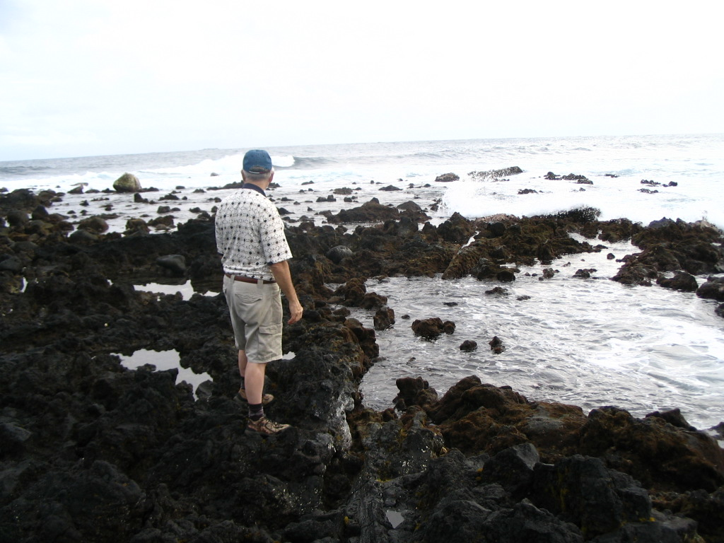 Oscar and Dave explore the Puna coast.<br /> February 1, 2008