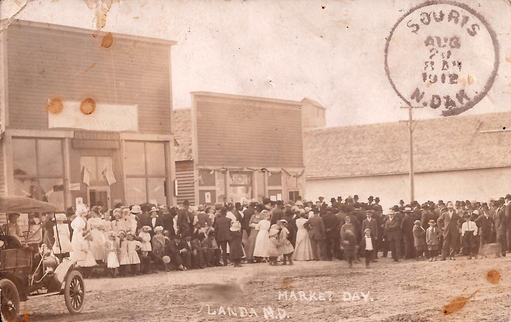 Market Day in Landa, ND<br /> 1912